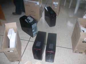 Llegaron las PCs para reinstalar (Foto 2)