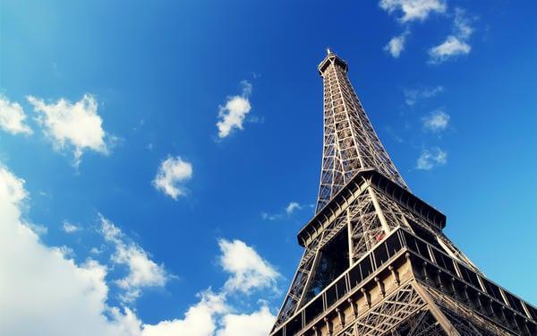 Paris_la_Tour_Eiffel