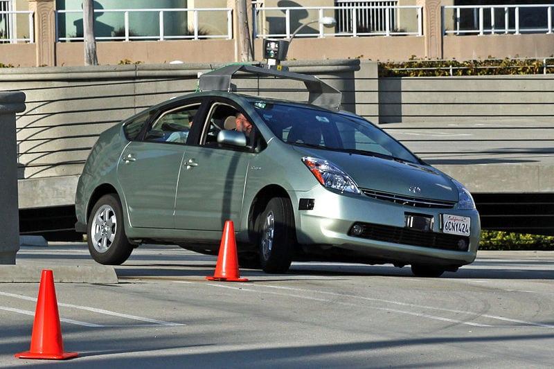 800px-Jurvetson_Google_driverless_car_trimmed